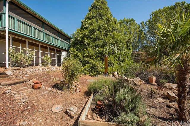 18245 Boxwood Court, Hidden Valley Lake CA: http://media.crmls.org/medias/ede280fa-205b-4fcc-890b-f3152c8ac85b.jpg