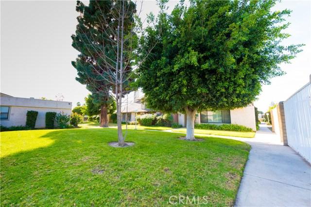 10077 Hidden Village Road, Garden Grove CA: http://media.crmls.org/medias/ede663fc-b8f8-401f-a664-c1c4c1a9dc6e.jpg