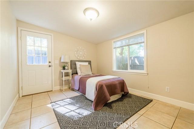 925 Pomona Avenue, Chico CA: http://media.crmls.org/medias/ede68b9f-3522-49ff-bc1b-58f165823e96.jpg