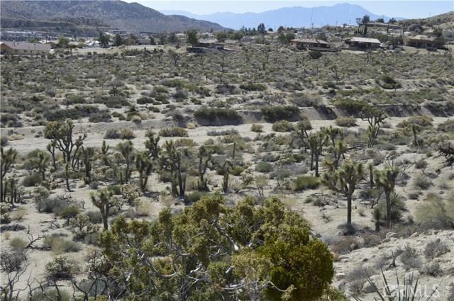 7400 Fairway Drive, Yucca Valley CA: http://media.crmls.org/medias/ede9d756-8e2c-431c-b42f-9587cf6bca01.jpg