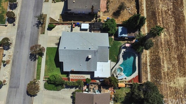 1465 Fernando Avenue, Upland CA: http://media.crmls.org/medias/edee082f-f368-4e75-b6e1-eaaff640273c.jpg