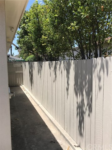 3501 Olive Avenue, Long Beach CA: http://media.crmls.org/medias/edf35fd8-669d-4568-ab55-55c55d74a74e.jpg