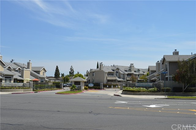1822 W Falmouth Avenue, Anaheim CA: http://media.crmls.org/medias/edf4921f-4a90-46d1-8686-b089fece4375.jpg