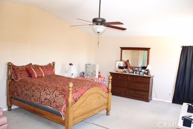 1130 Laurelhurst Heights, San Jacinto CA: http://media.crmls.org/medias/edf57345-fb6a-4997-ad79-b682c1271961.jpg