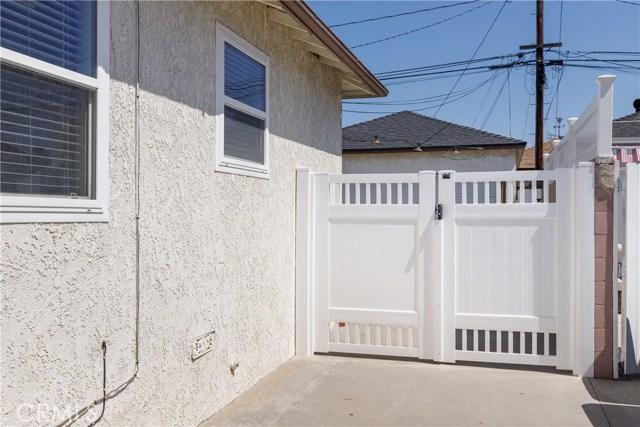 6017 Eberle Street, Lakewood CA: http://media.crmls.org/medias/ee2f8570-7511-460f-96f9-9aa3163ed93b.jpg