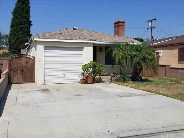 8951 Dorothy Avenue, South Gate CA: http://media.crmls.org/medias/ee363223-b2b3-4254-9095-44fbf9352d62.jpg