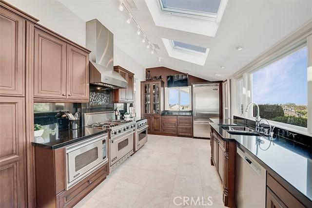 房产卖价 : $199.50万/¥1,373万