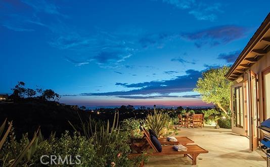 Single Family Home for Sale at 990 Sandcastle St Corona Del Mar, California 92625 United States