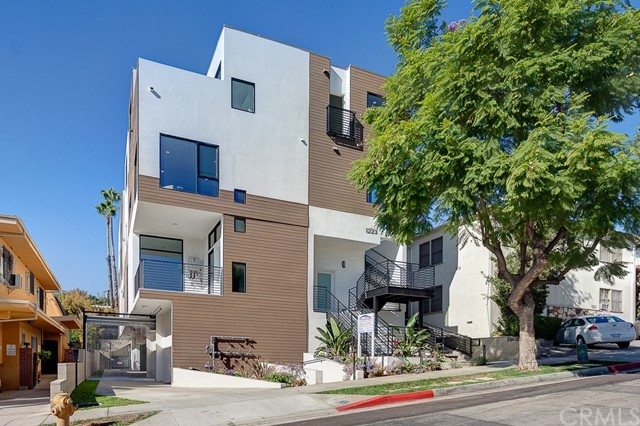 1223 Larrabee Unit 6, West Hollywood CA 90069