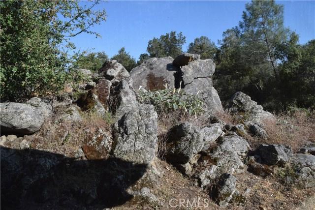 33050 Road 416, Coarsegold CA: http://media.crmls.org/medias/ee6b9da0-fb62-480c-bf52-1c14c48b0467.jpg