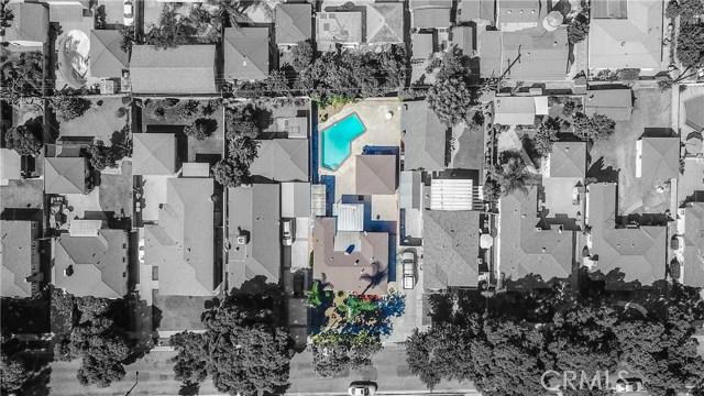 10433 Bryson Avenue, South Gate CA: http://media.crmls.org/medias/ee7101b4-7358-4675-a4f6-49e628169e0c.jpg