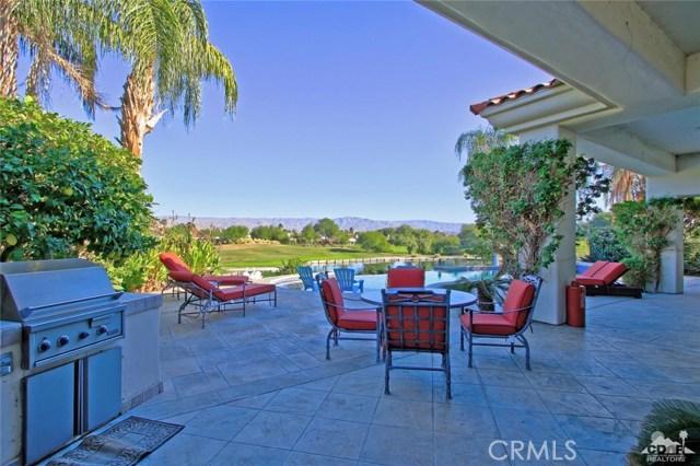 104 Loch Lomond Road, Rancho Mirage CA: http://media.crmls.org/medias/ee72a6c0-dee5-436b-9682-59b81b759693.jpg