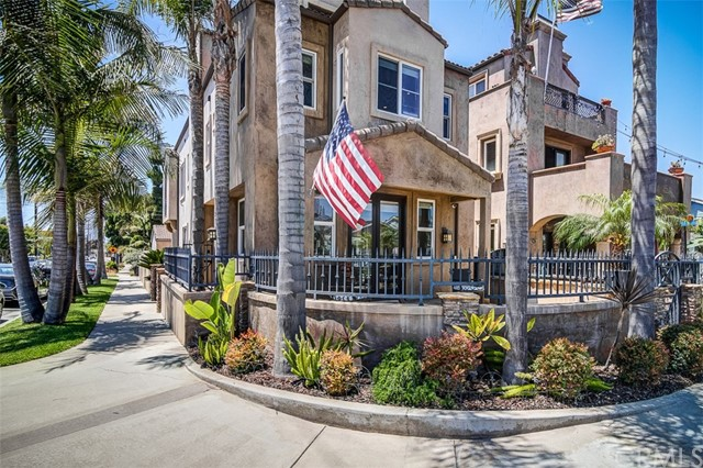 Photo of 901 Huntington Street, Huntington Beach, CA 92648