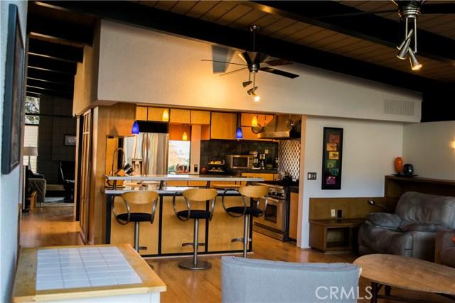 409 Hill Street, Monrovia CA: http://media.crmls.org/medias/ee76faac-7232-45f0-811e-8030c214d047.jpg