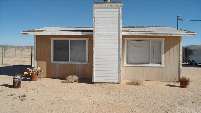 70956 Giant Rock Rd, 29 Palms, CA 92277