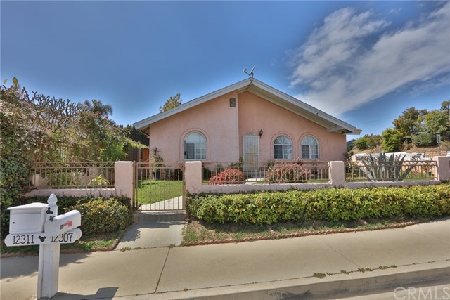 Detail Gallery Image 1 of 14 For 12307 Corley Dr, Whittier,  CA 90604 - 3 Beds | 2 Baths