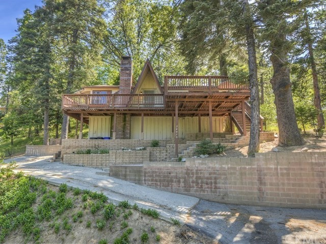 Single Family Home for Sale at 28975 Cedar Terrace Cedar Glen, California 92321 United States
