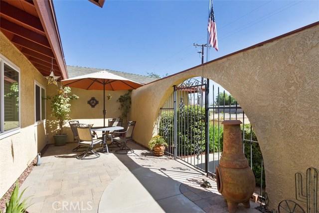 16275 Porter Avenue, Riverside CA: http://media.crmls.org/medias/ee8c2474-0a61-49b0-adf0-bca1fdfa5dc5.jpg