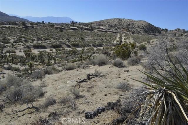 7400 Fairway Drive, Yucca Valley CA: http://media.crmls.org/medias/ee90e976-8949-478e-825d-50d5e4502c15.jpg