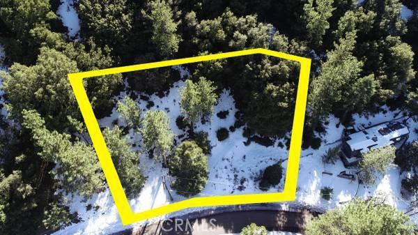 15124 Chestnut Drive, Pine Mountain Club CA: http://media.crmls.org/medias/ee91ab1a-3a3f-4a75-9b52-35fbb46b81ac.jpg