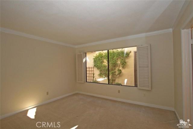 163 Madrid Avenue, Palm Desert CA: http://media.crmls.org/medias/ee958a4b-e7ad-4327-bd17-f289b2770d2f.jpg