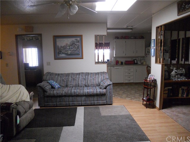 26057 Queen Palm Drive, Homeland CA: http://media.crmls.org/medias/ee9adea5-c2b6-4273-9cac-2315d8e784d3.jpg