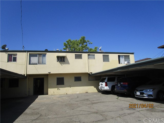 611 S Orange Avenue, Santa Ana CA: http://media.crmls.org/medias/eea84964-e2b8-48be-8cb5-34d9cbd87281.jpg