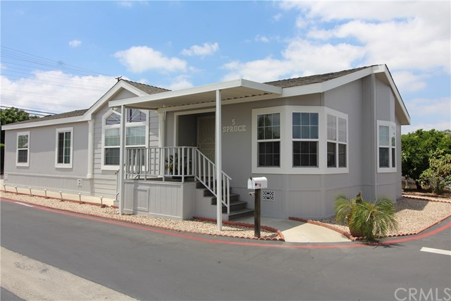 5 Spruce Via, Anaheim, CA 92801 Photo 2