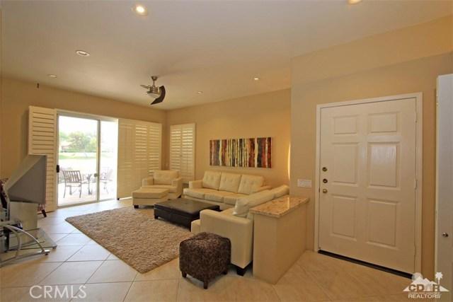 75 Augusta Drive, Rancho Mirage CA: http://media.crmls.org/medias/eeb1d32f-9271-4aef-b070-90470ef40f3e.jpg