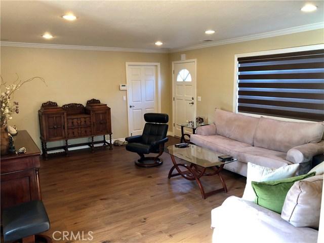1285 W Ofarrell Street, San Pedro CA: http://media.crmls.org/medias/eec48ce8-6015-45c5-9989-4b619276dac3.jpg