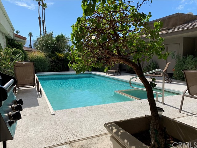 37 Colgate, Rancho Mirage CA: http://media.crmls.org/medias/eec76a23-c209-46f3-8f66-188656d118f6.jpg