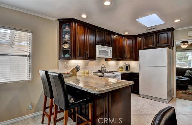 7737 Arnett Street, Downey CA: http://media.crmls.org/medias/eecb661f-75b0-416c-b93f-a03674bb4d4f.jpg