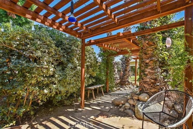 265 W Sonora Place, Claremont CA: http://media.crmls.org/medias/eef0f068-501c-4a28-a9e3-c3f61232c54d.jpg