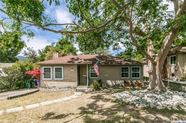 4621 Dyer Street La Crescenta, CA 91214 is listed for sale as MLS Listing 317003715