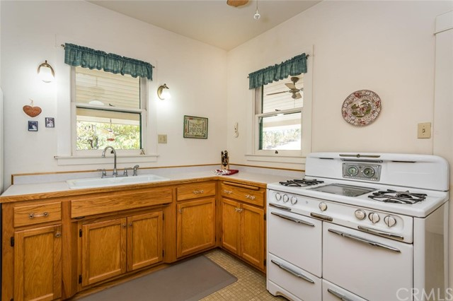 6260 Independence Ranch Lane, San Miguel CA: http://media.crmls.org/medias/ef0427ec-d3f3-4c2b-8a77-31547de6f3cf.jpg