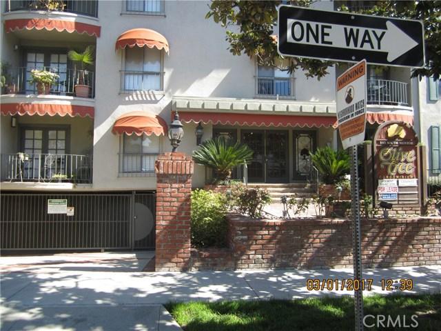 330 S Mentor Avenue