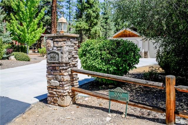 1480 Willow Glenn Court, Big Bear CA: http://media.crmls.org/medias/ef12207c-3581-4686-8491-7ab0702793ce.jpg