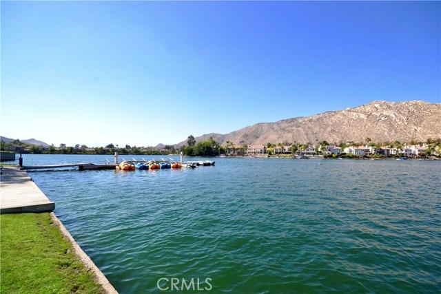 10205 Canyon Vista Road, Moreno Valley CA: http://media.crmls.org/medias/ef178694-57e8-452b-b66d-e1f13f195d49.jpg