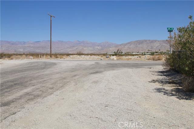 5 Kay Road, Desert Hot Springs CA: http://media.crmls.org/medias/ef1a0c2c-35aa-4663-b4d1-a3022ca2333e.jpg