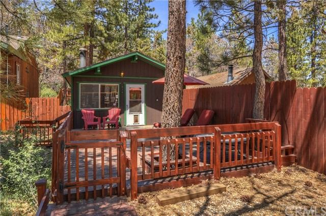 Single Family Home for Sale at 814 Spruce Lane Big Bear City, California 92314 United States