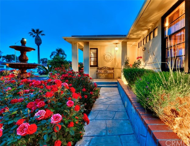Single Family Home for Sale at 3860 Westside Avenue Leimert Park, California 90008 United States