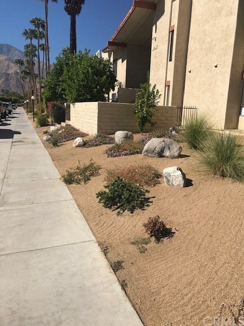 Detail Gallery Image 1 of 1 For 1411 N Sunrise Way #11,  Palm Springs,  CA 92262 - 2 Beds | 2 Baths