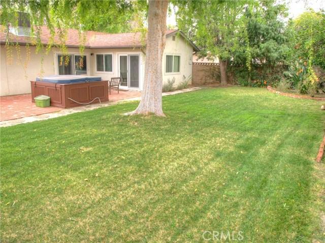 23457 Styles Street, Woodland Hills CA: http://media.crmls.org/medias/ef2b458e-d431-4cee-b1b7-1d33bf962539.jpg