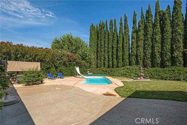 8448 Paradise Lagoon Drive, Lucerne CA: http://media.crmls.org/medias/ef3eb4b5-1350-4394-aa3a-701c82095ea0.jpg