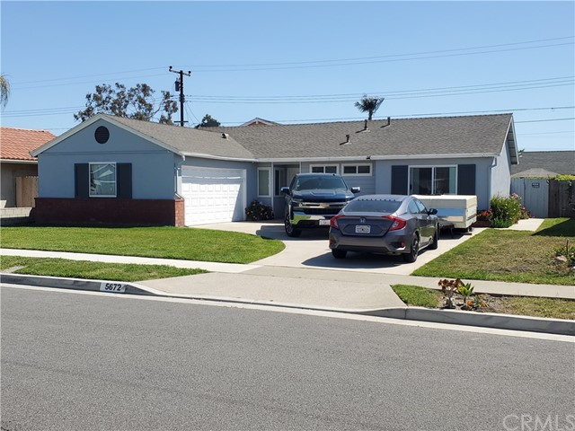 5672 Riviera Drive, Huntington Beach CA: http://media.crmls.org/medias/ef561035-e766-4566-ac76-248b110eb482.jpg