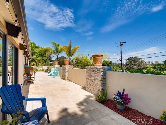 3087 Cranbrook Court, La Jolla CA: http://media.crmls.org/medias/ef5c5cb9-13a0-45e9-976b-71cc43920a6b.jpg