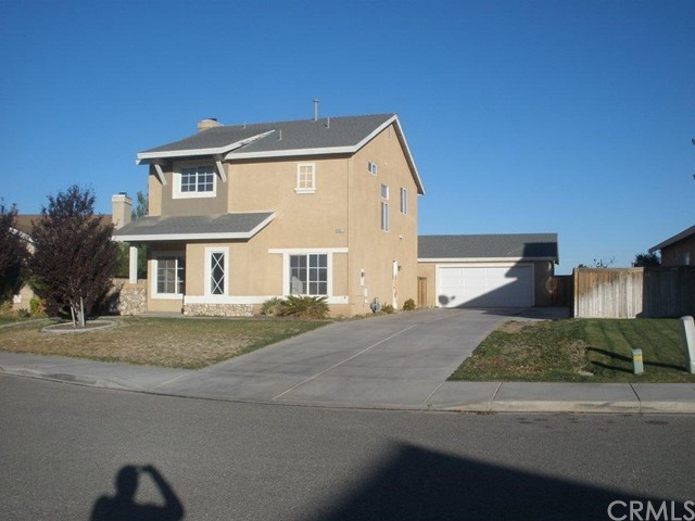 14621 Nelson Avenue, Victorville CA: http://media.crmls.org/medias/ef5d97c4-a3b1-471c-8efc-18e8834771e9.jpg