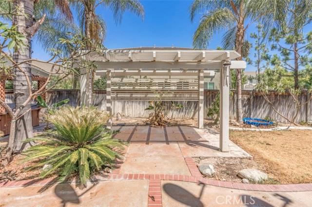 11496 Springwood Court, Riverside CA: http://media.crmls.org/medias/ef6ff9d6-651a-45e3-87ee-cef47e557345.jpg