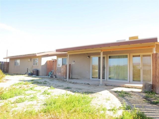 59510 Sunflower Drive, Yucca Valley CA: http://media.crmls.org/medias/ef7d14cc-c0dd-43bd-84db-fd2b87250607.jpg