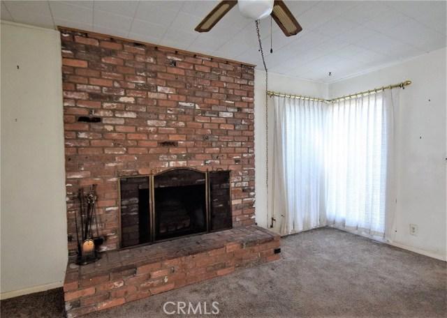 7354 Garden Street, Riverside CA: http://media.crmls.org/medias/ef7d2358-7e2b-4b7d-9aa7-6a59bc1939db.jpg